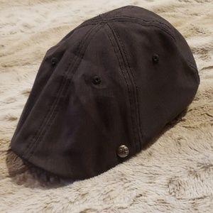 NWT - Perry Ellis Men's Driving Hat